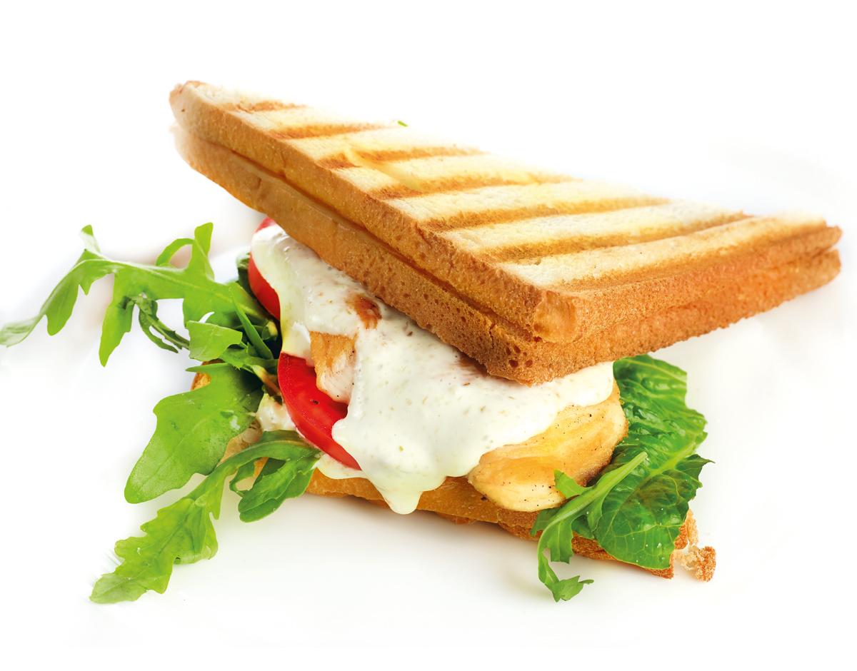 Сэндвич с куриным филе и соусом Тар-Тар