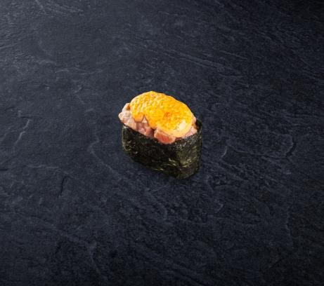 Суши запеченный тунец
