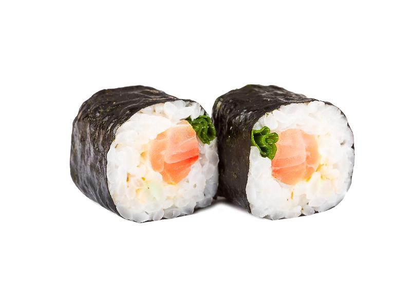Ролл с копченым лососем и зеленым луком