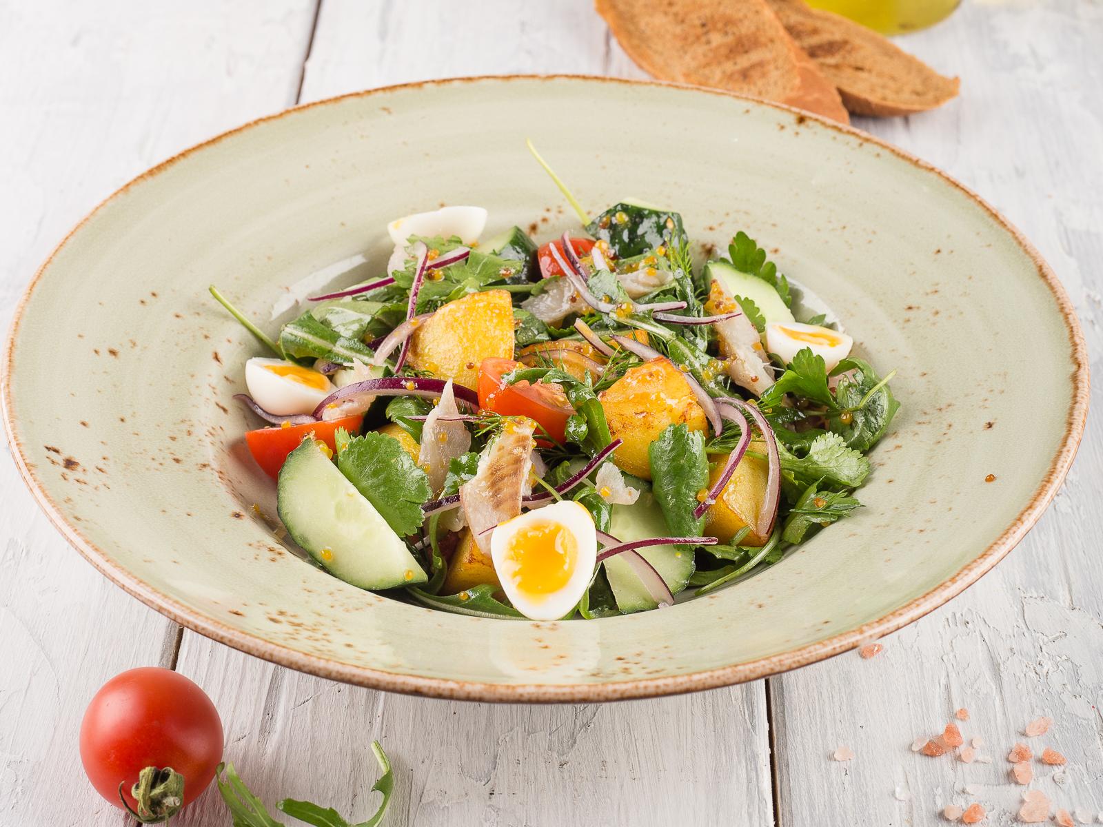 Салат с маринованным сигом