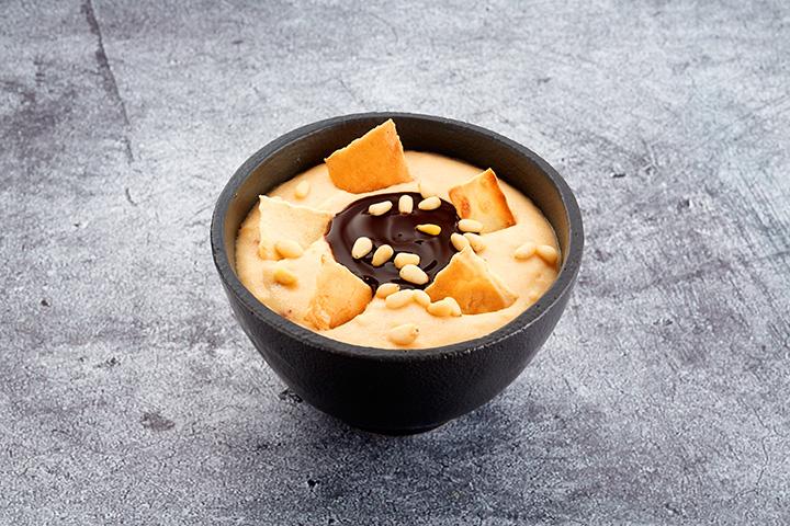 Десерт Гурьевский с шоколадным кремом и орешками