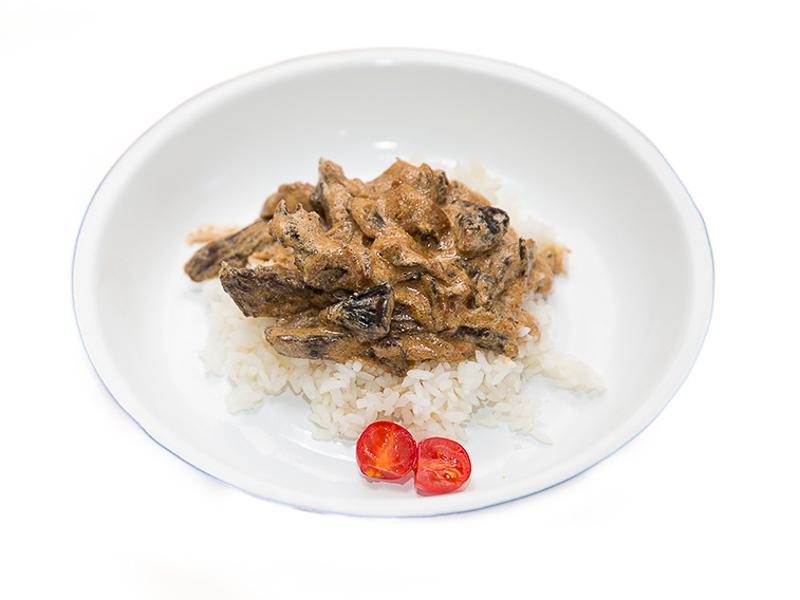 Бефстроганов с рисом и курицей