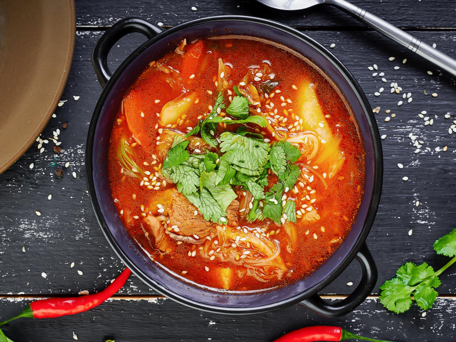 Суп Кимчи Тиге со свининой