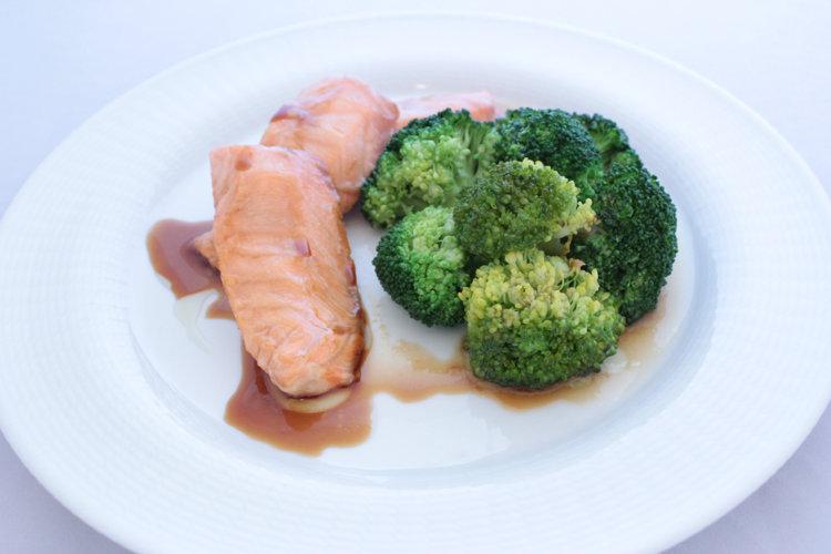 Горячее сашими из лосося
