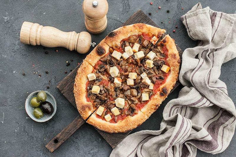 Пиццетта с миксом грибов