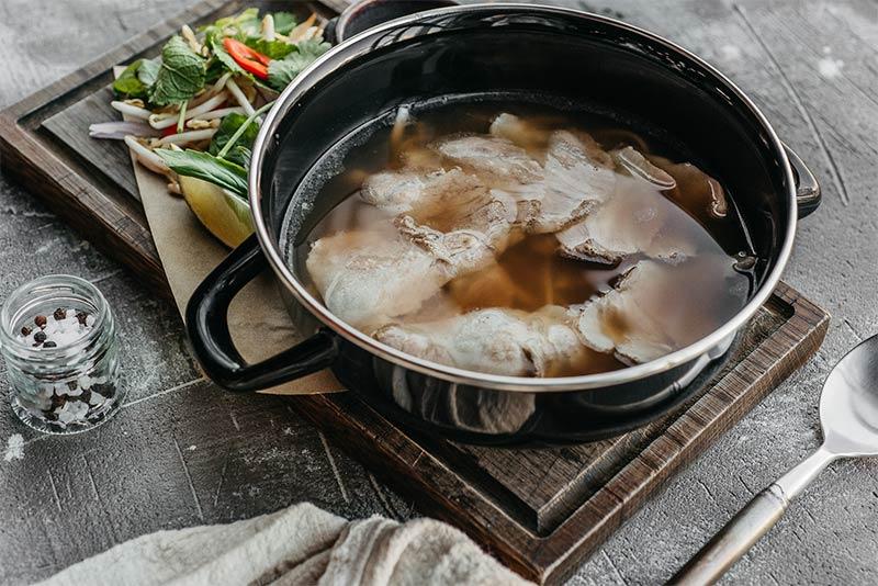Вьетнамский суп Фо-Бо со свининой