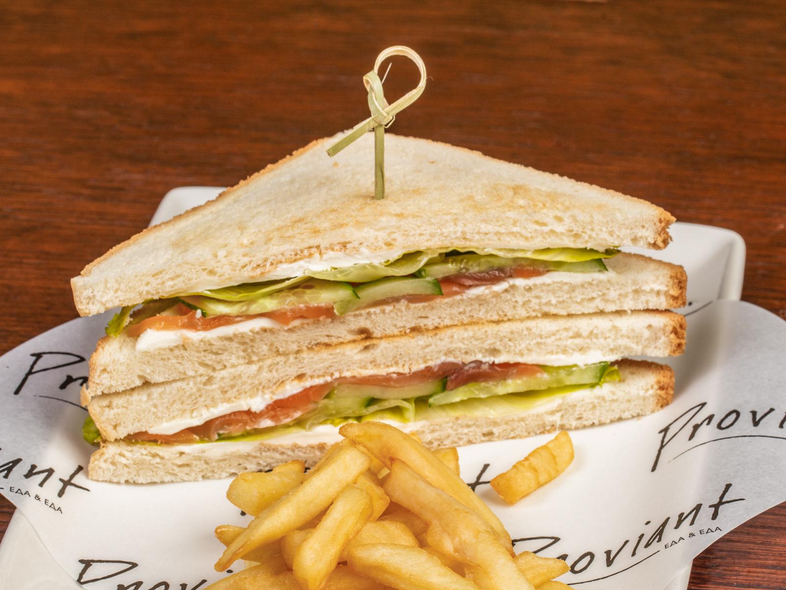 Сендвич с лососем