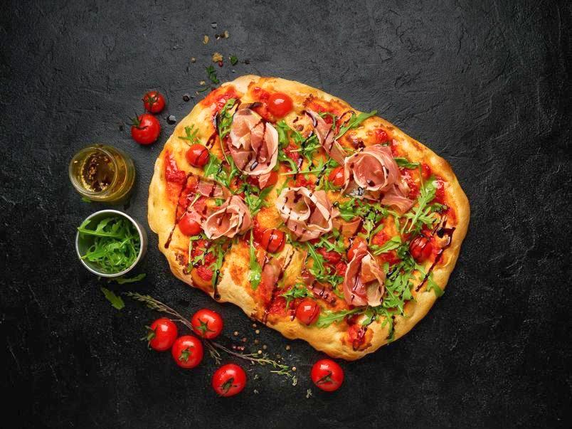 Пиццони с прошутто и сыром маскарпоне
