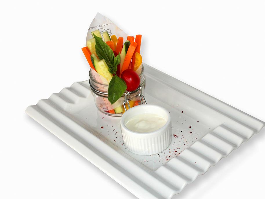Овощные палочки со сметаной