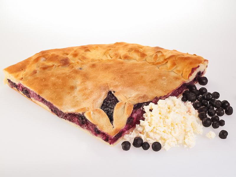 Пирог с творогом и смородиной