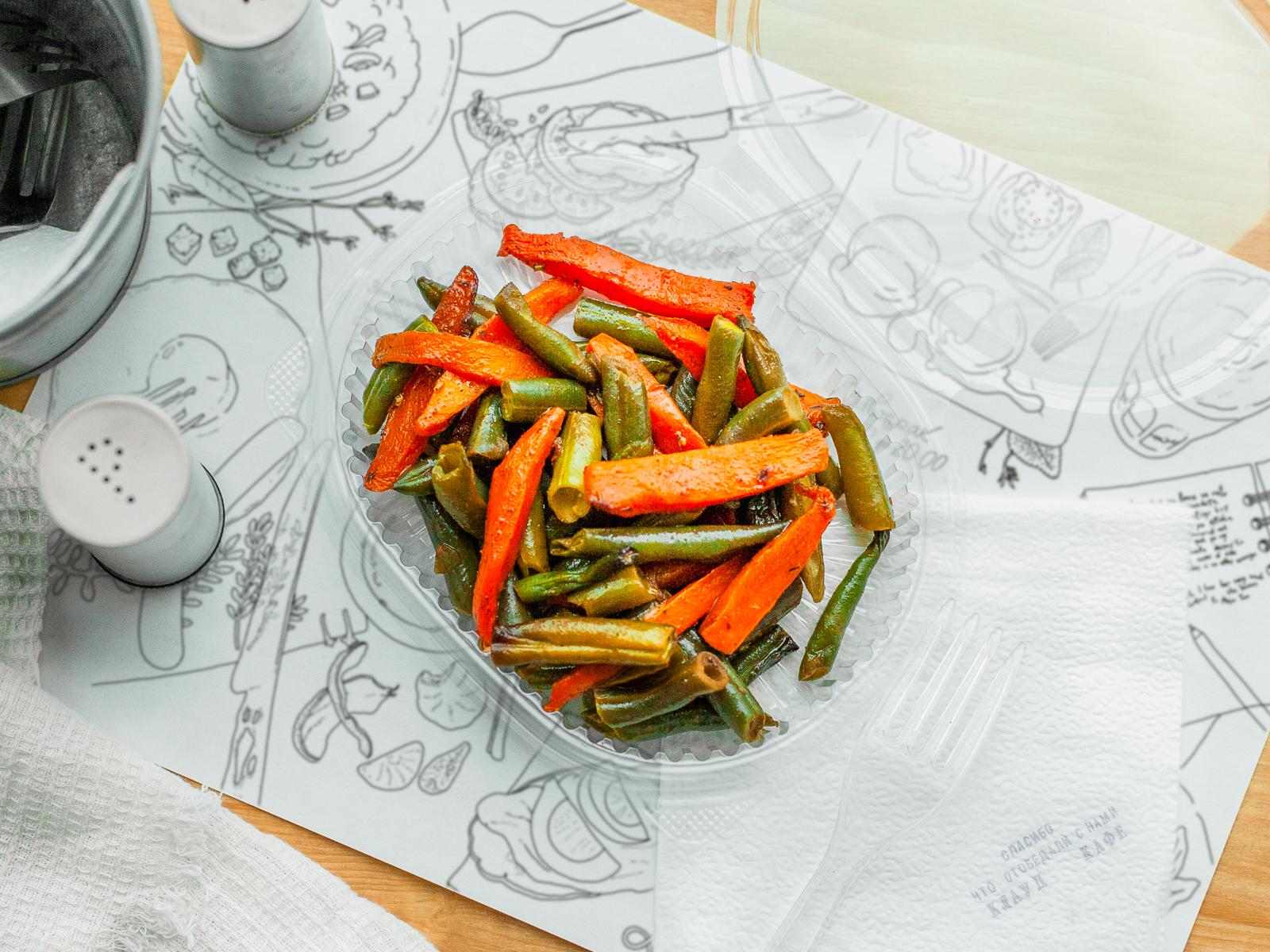 Фасоль стручковая с овощами