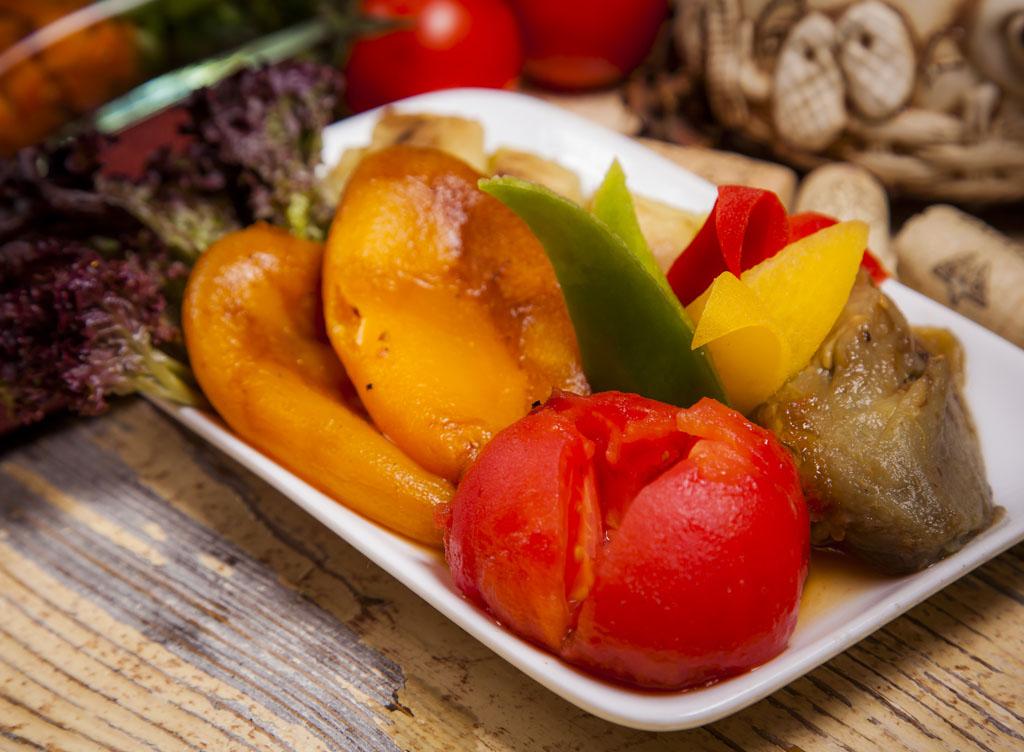 Овощи, запеченные на мангале