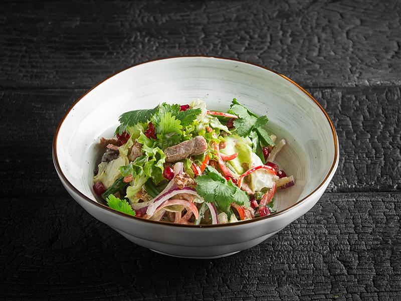 Салат по-ксански со свининой