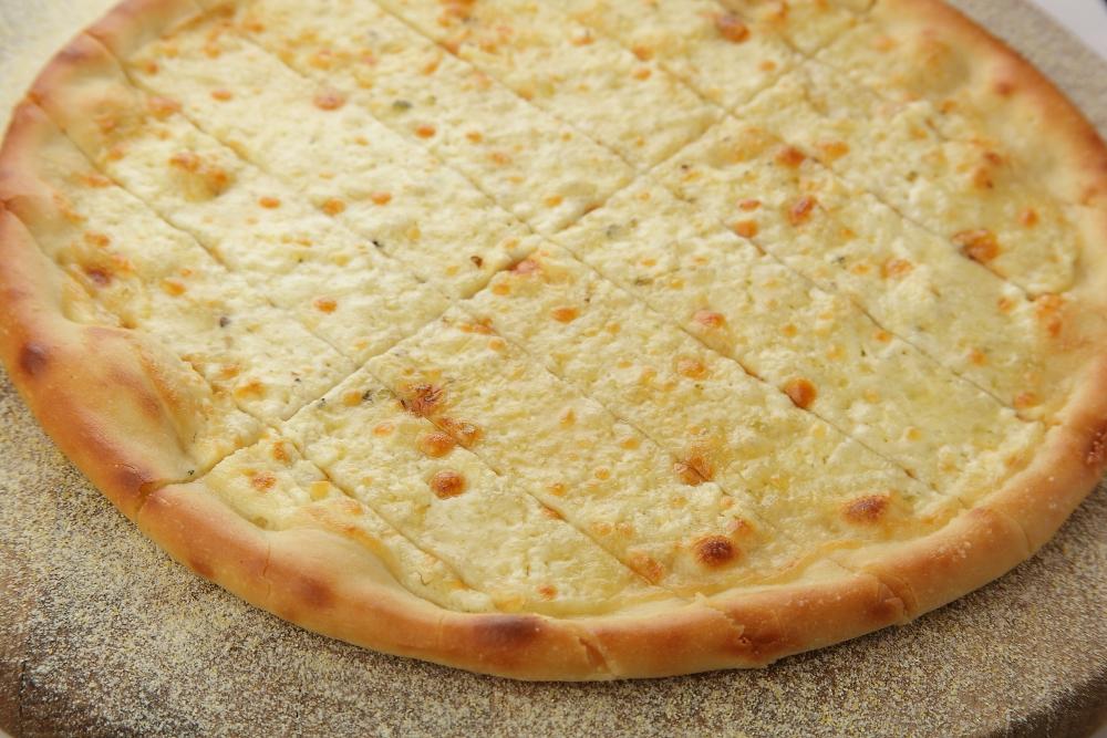 Сырные палочки с пармезаном и чесноком