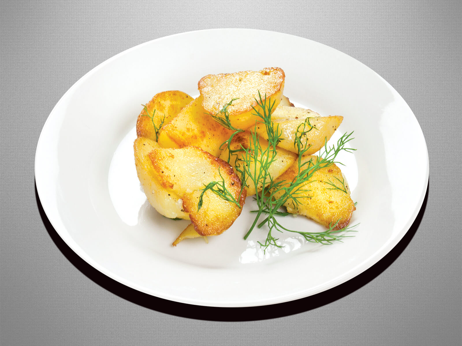 Отварной и обжаренный картофель