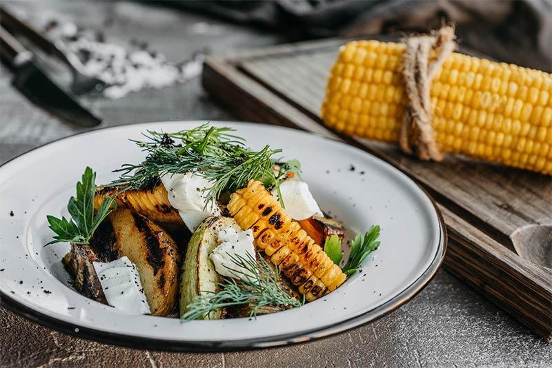 Запеченые сезонные овощи с цитрусовым соусом