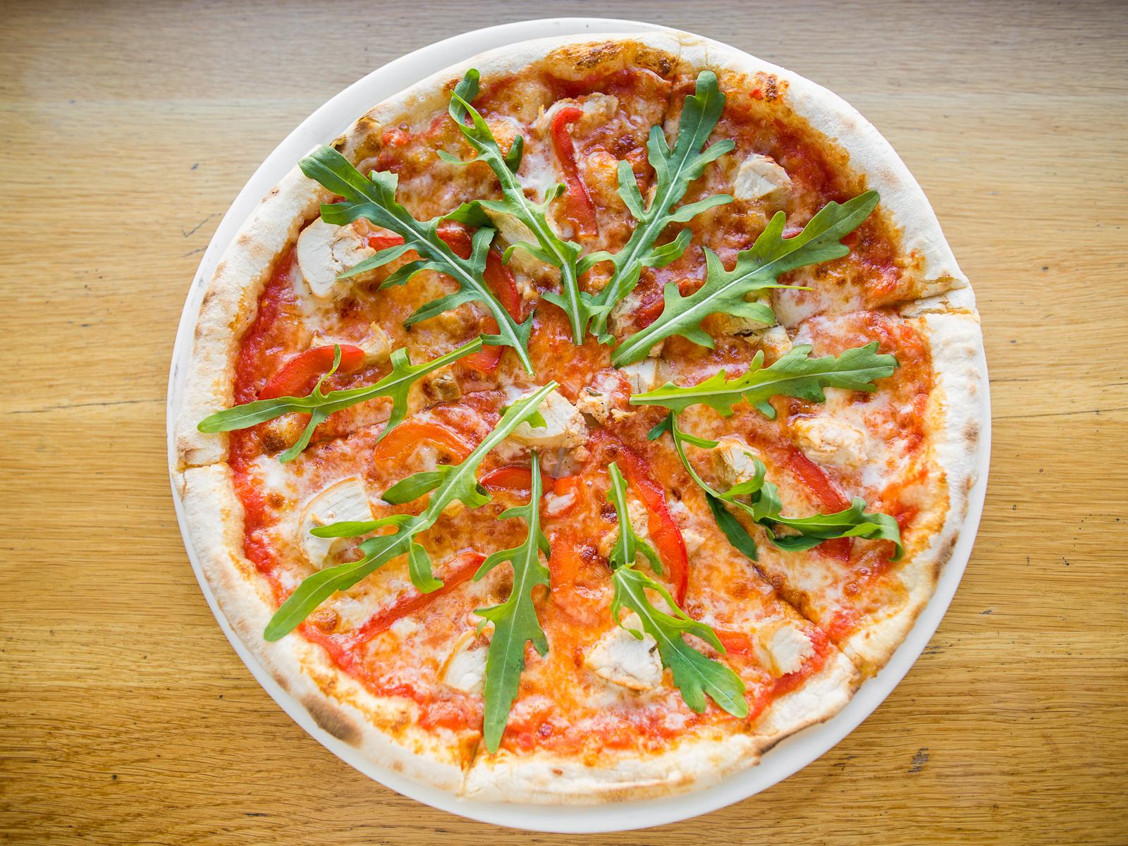 Пицца Курица и руккола