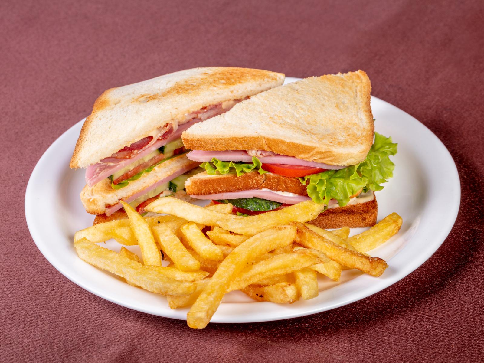 Тройной клаб-сэндвич