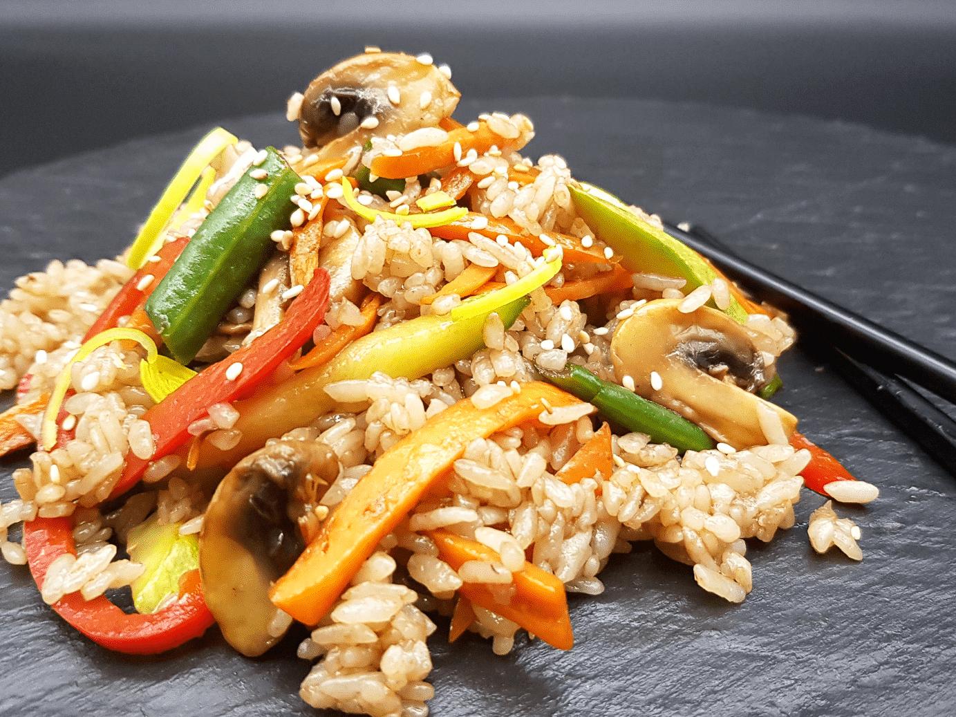 Рис с овощами в соусе терияки