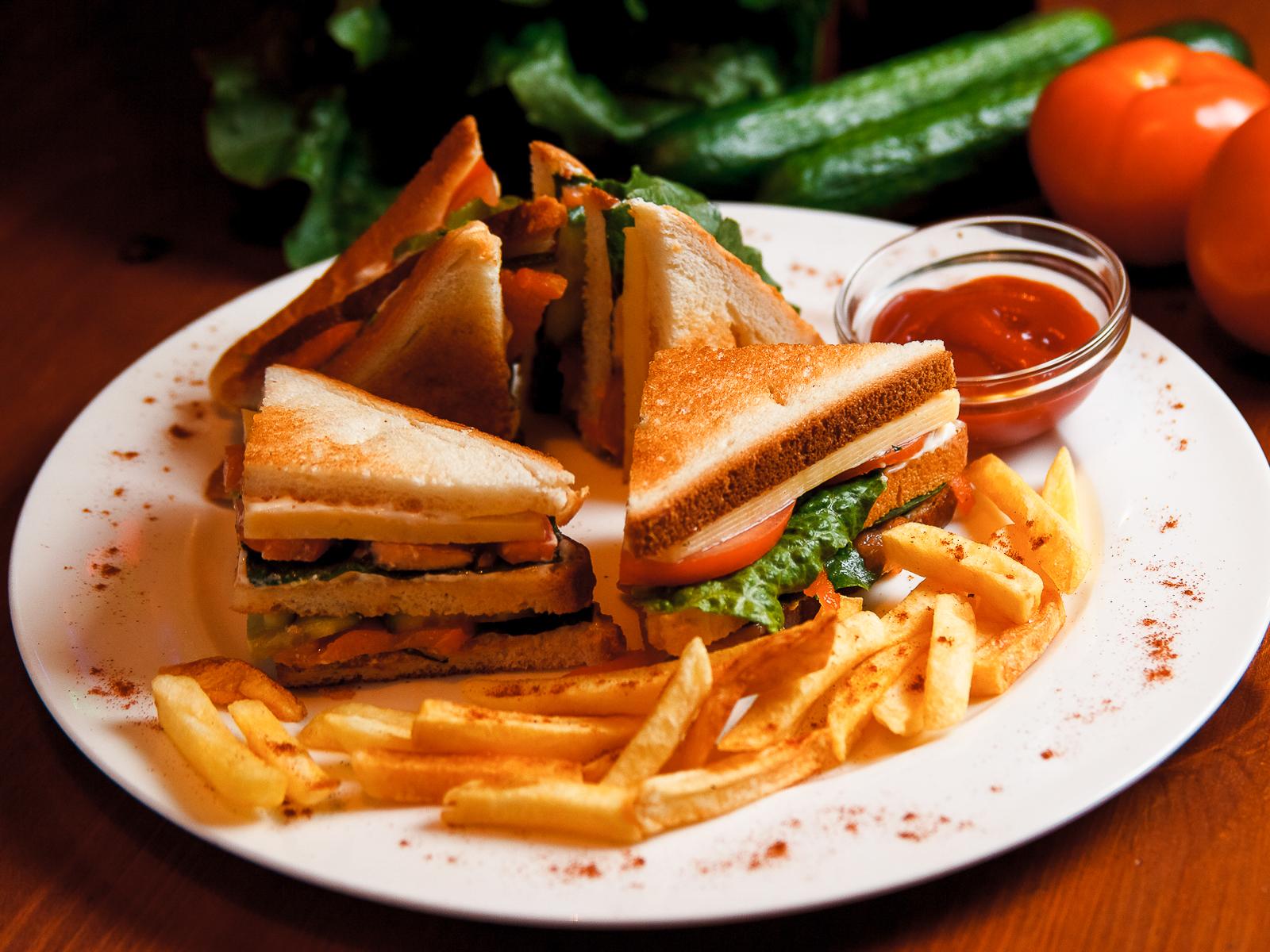 Макси сендвич  с ветчиной