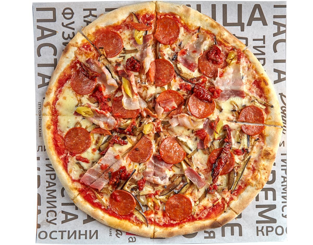 Пицца острая с беконом и пепперони