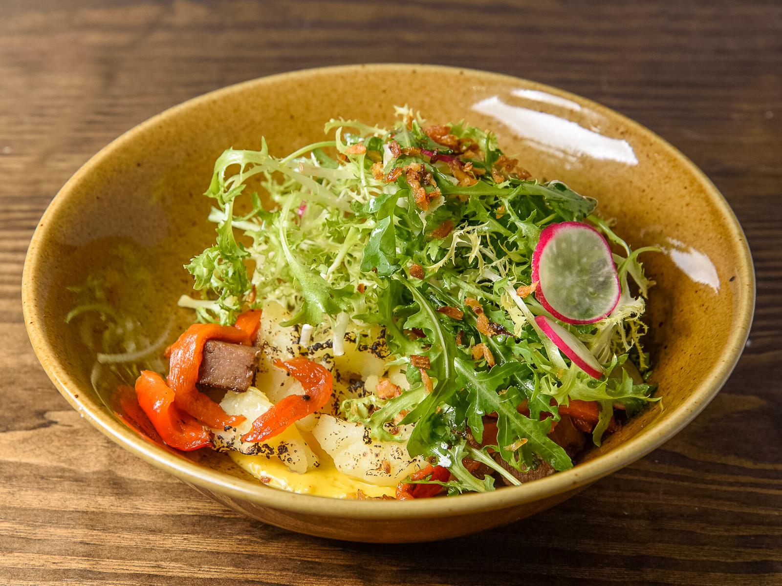 Теплый салат с телячьим языком
