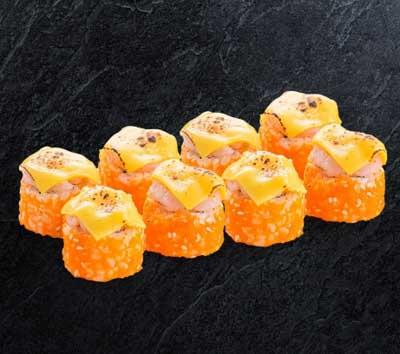 Запеченный ролл с креветкой и сыром Чеддер