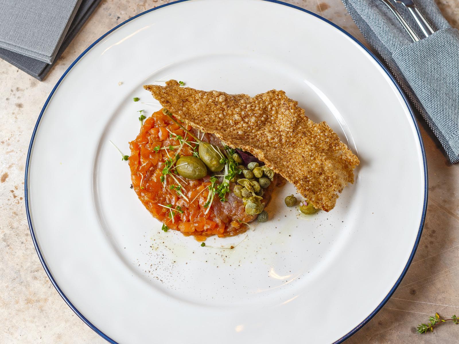 Тартар из тунца с лососем