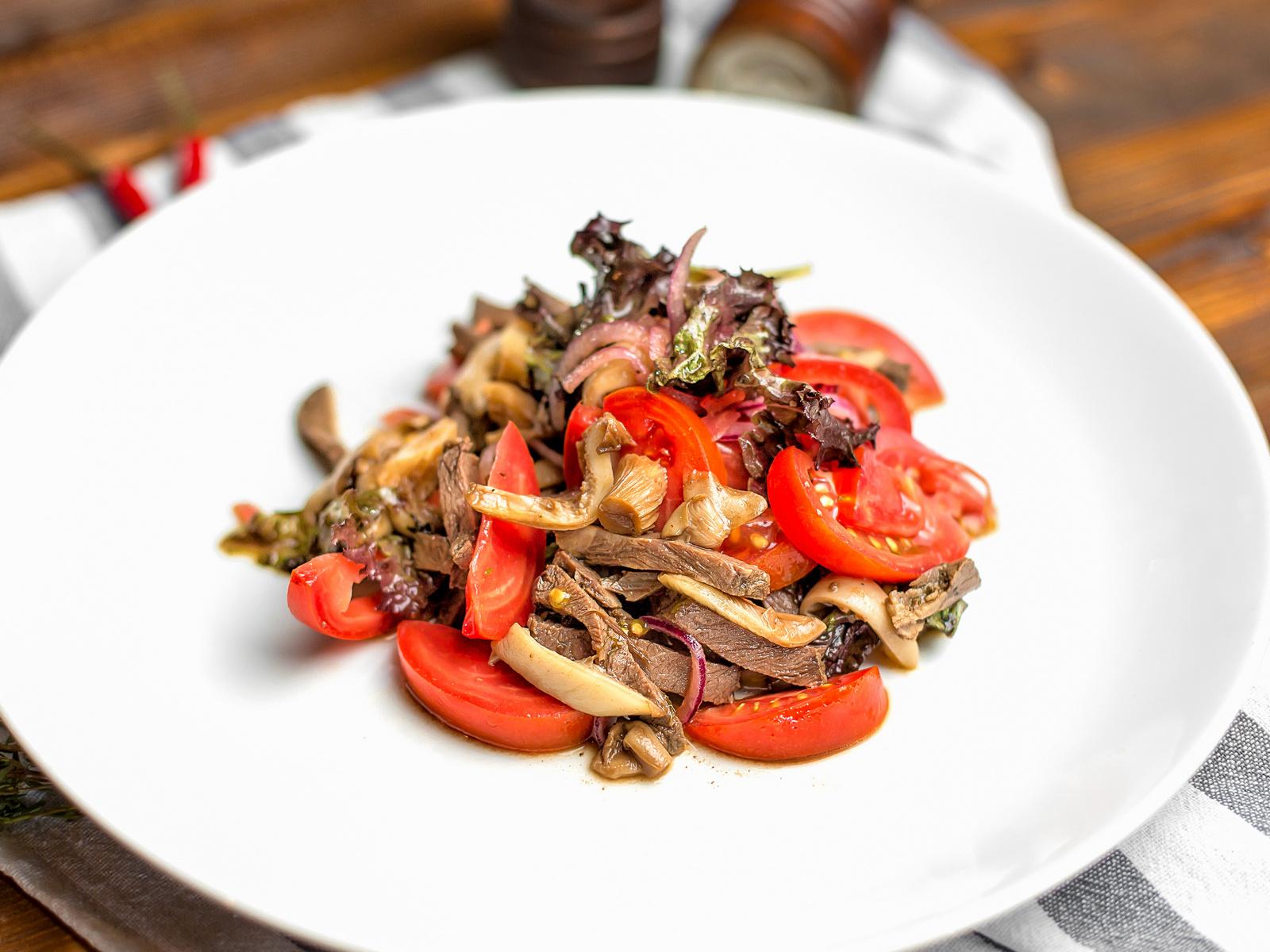 Салат с телятиной в бальзамическом соусе