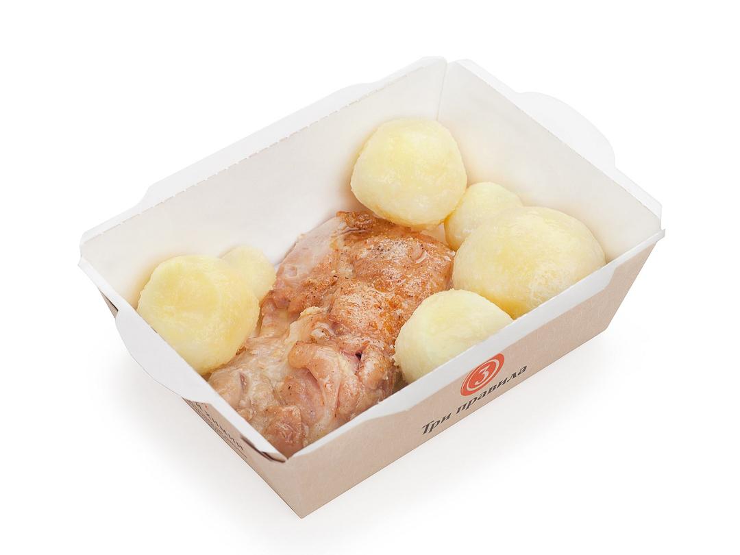 Запечённый цыпленок с отварным картофелем