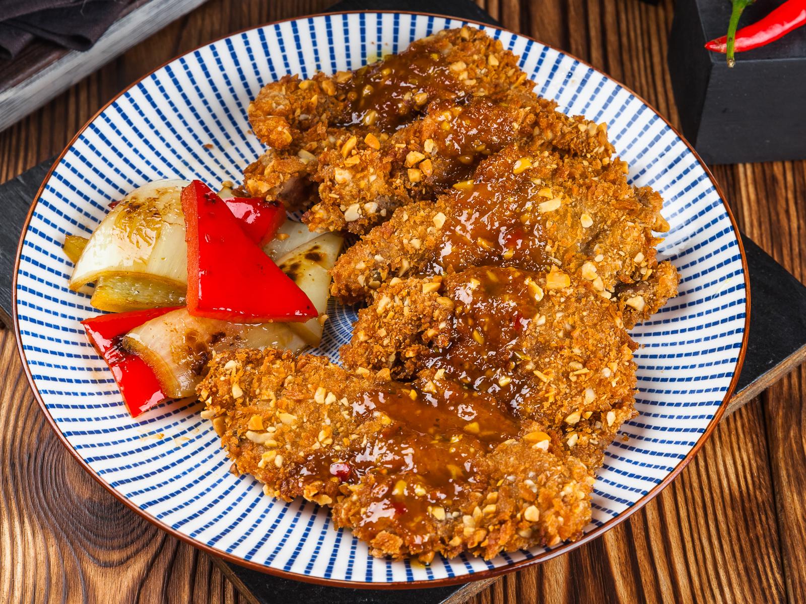 Курица в арахисовой панировке
