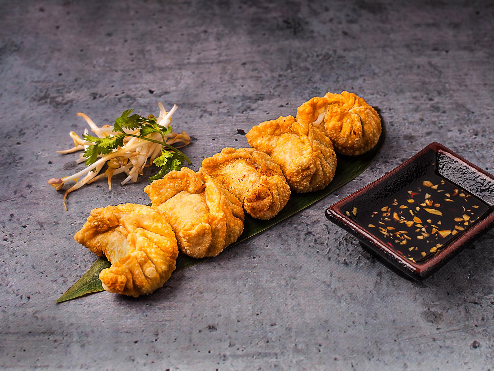 Тайские пельмени с картофельно-грибным муссом