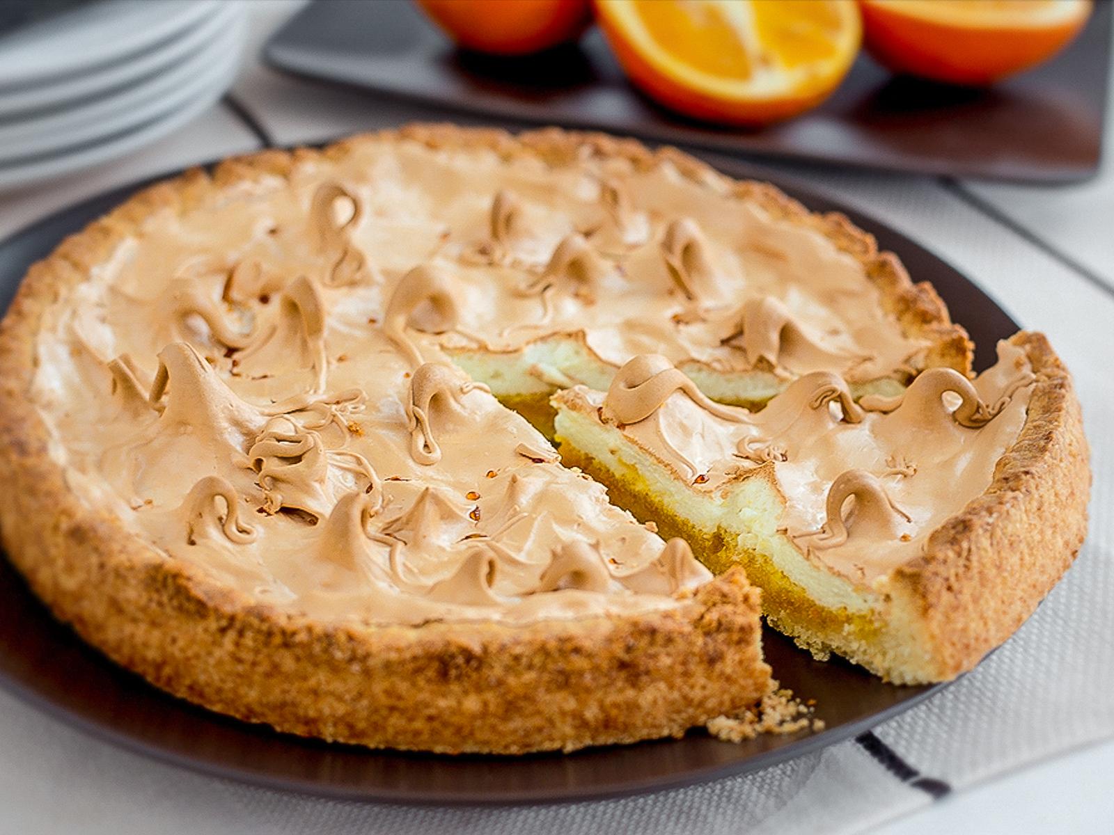 Пирог сладкий Апельсиновый с меренгой