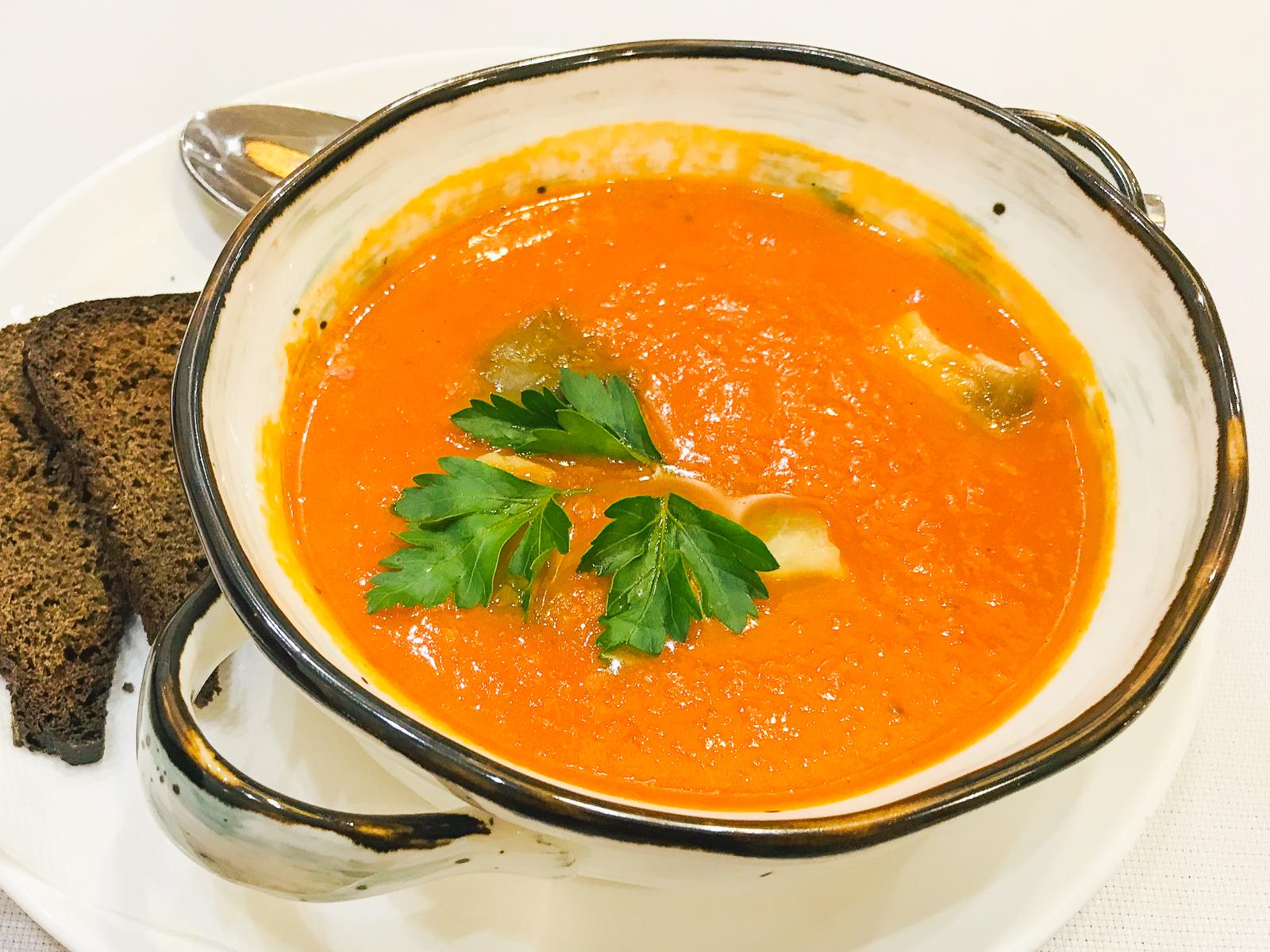 Суп томатный с печеными баклажанами