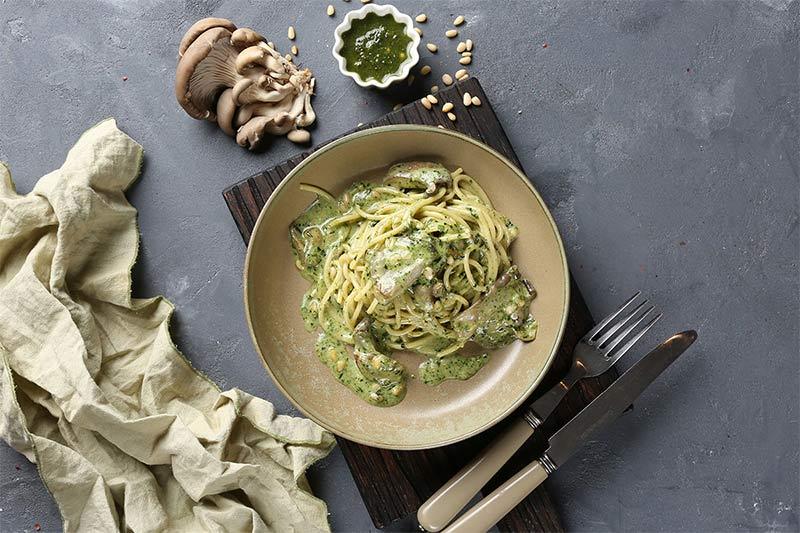 Спагетти с вешенками «Сливочный песто»