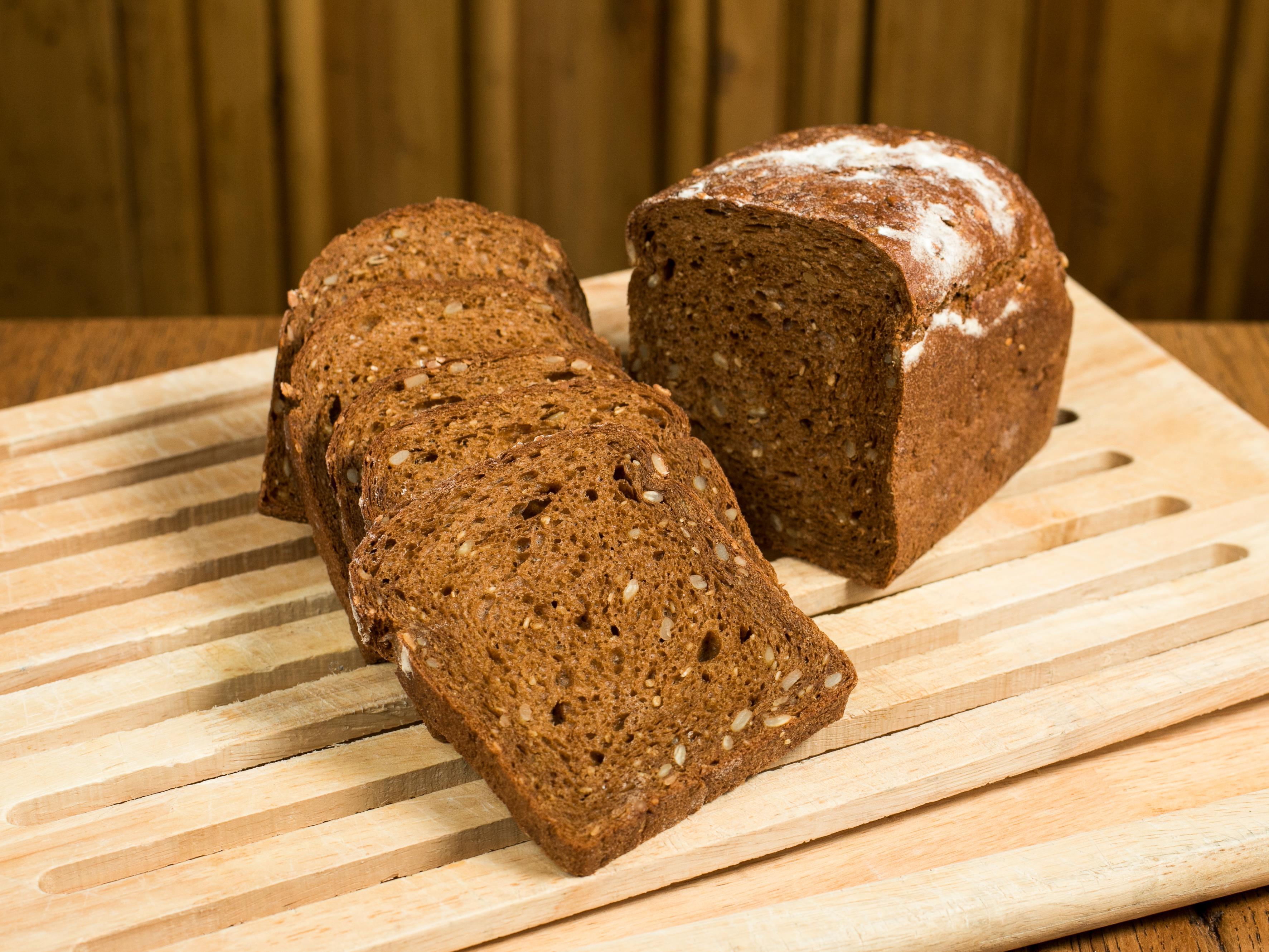 Порция хлеба с медом