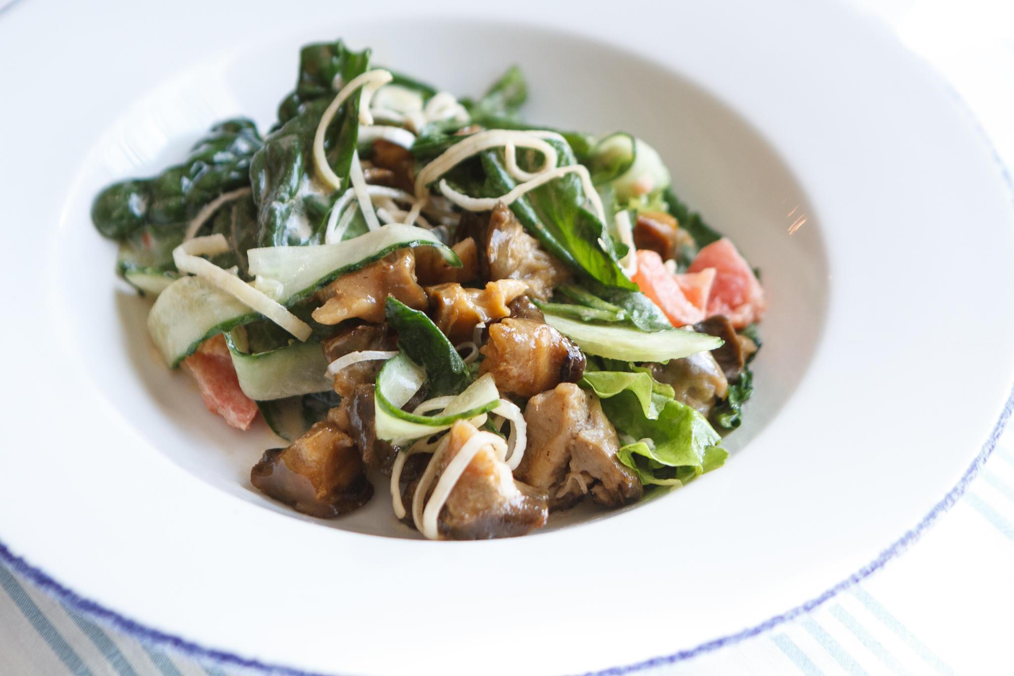 Салат с рапанами, заправленный домашним майонезом