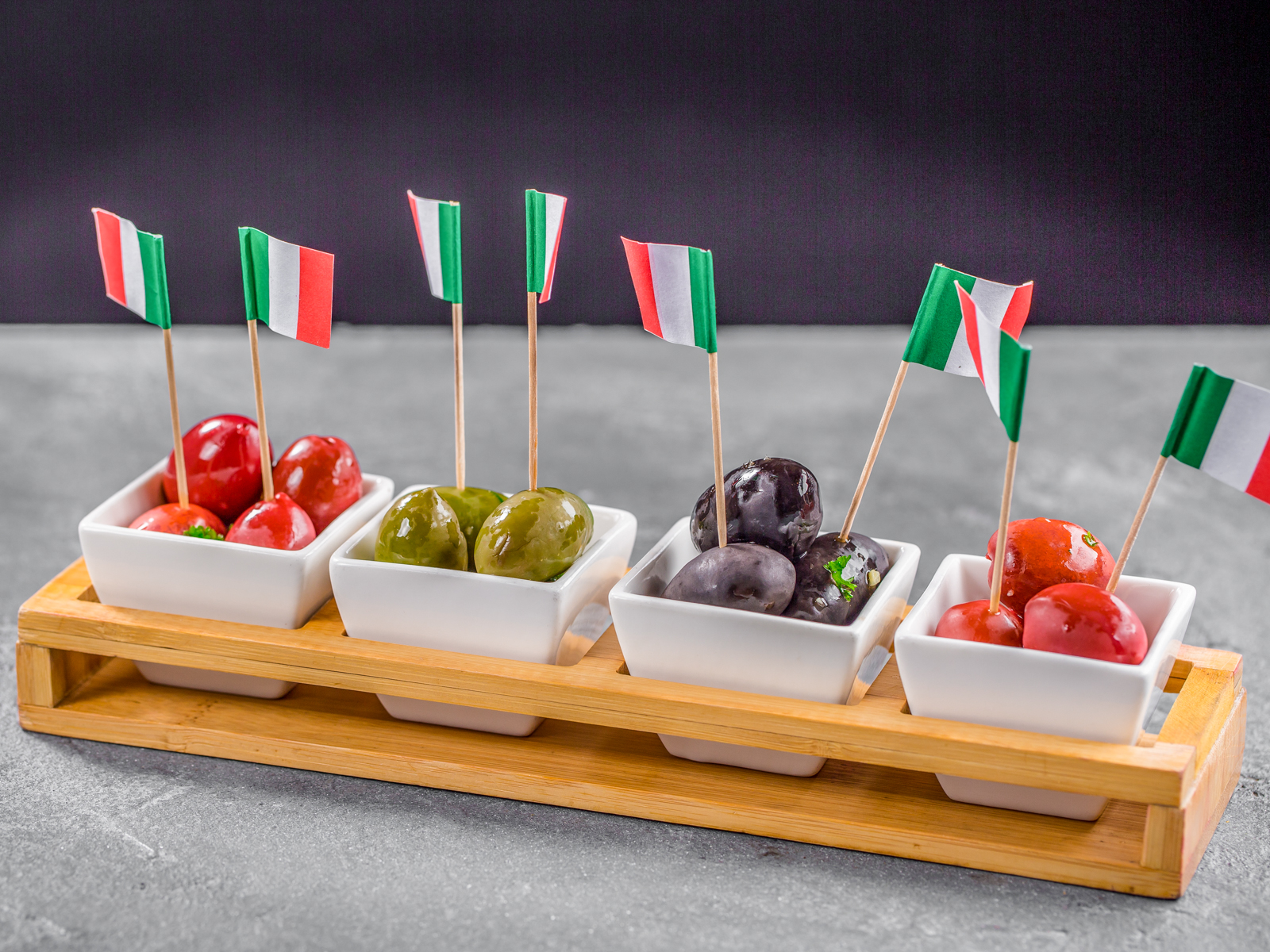 Ассорти итальянских маслин