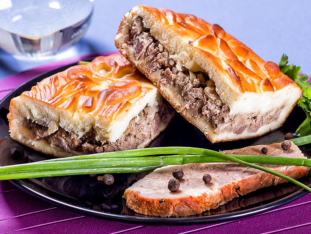 Пирог с рубленым мясом