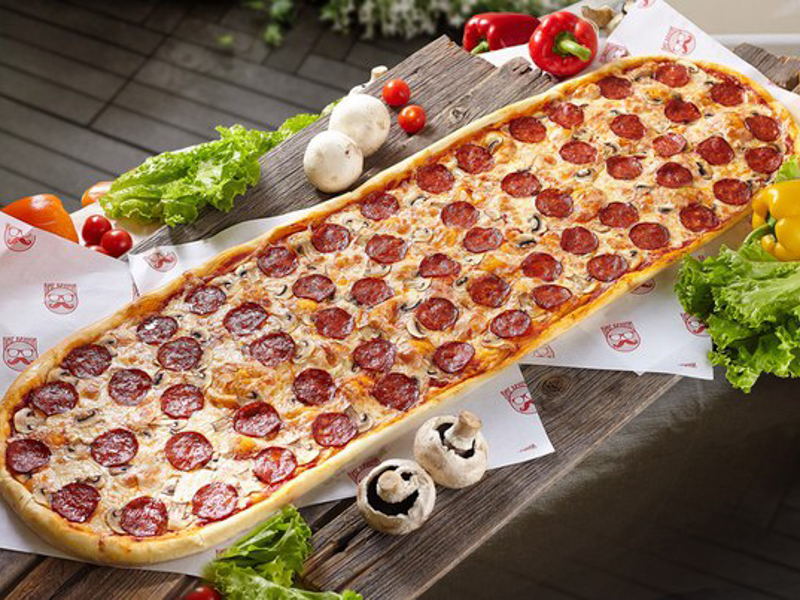 Метровая пицца Пепперони