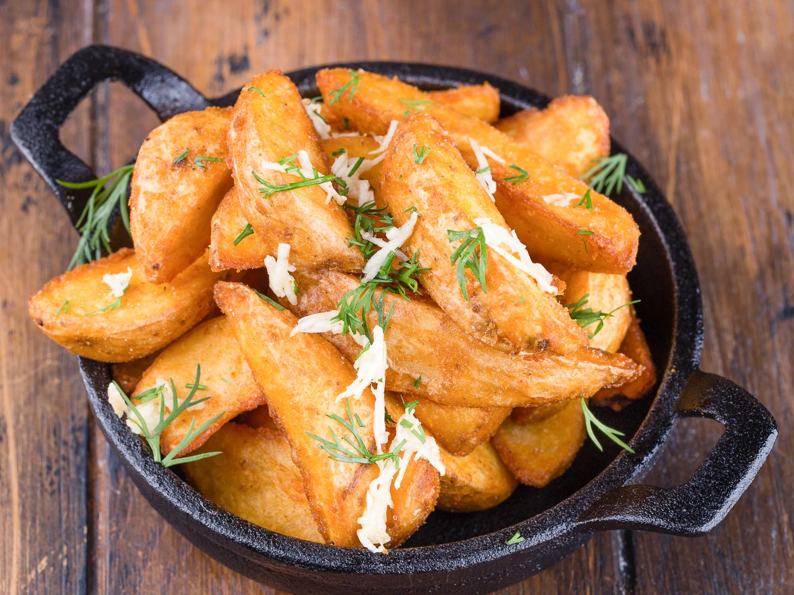 Картофель по-деревенски чесночный