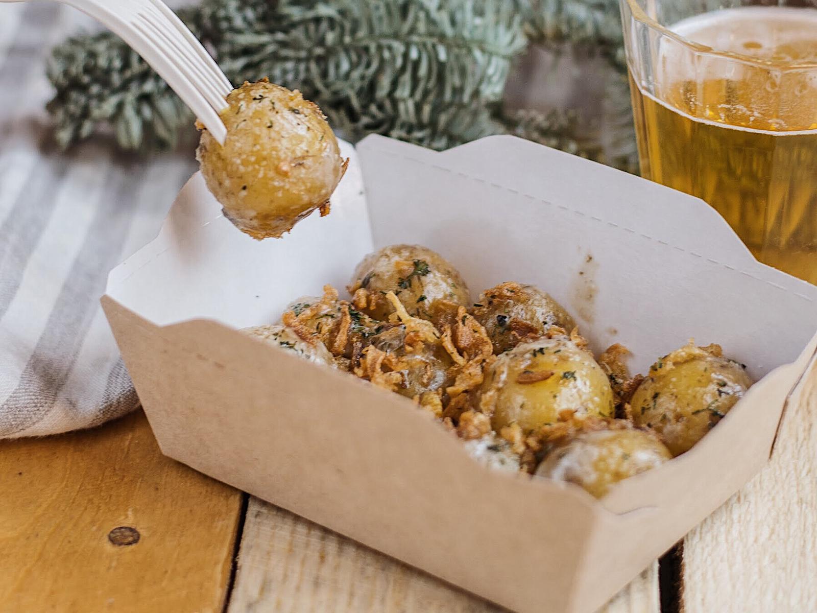 Запеченный картофель с грибным соусом