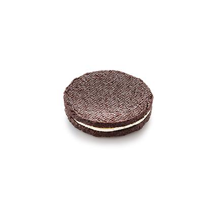 Шоколадное печенье с ванильным кремом