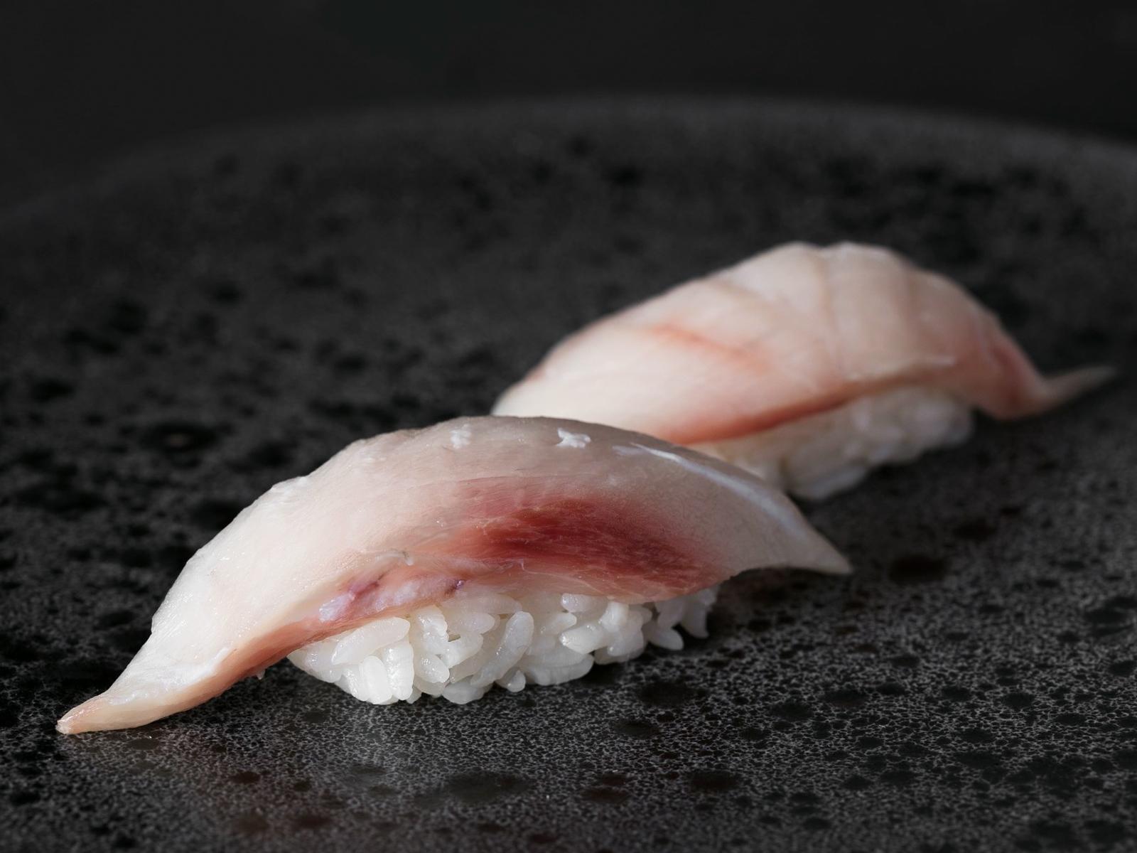 Суши с желтохвостиком