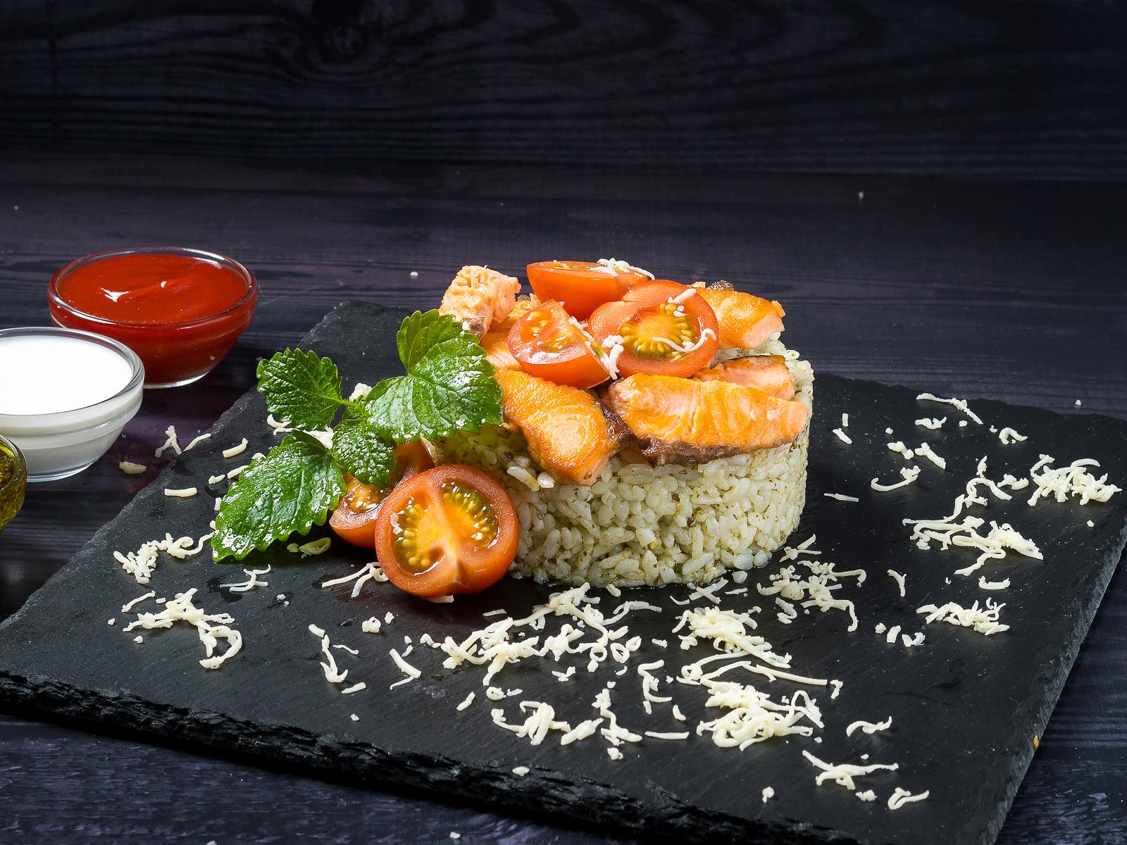 Рис Песто с лососем
