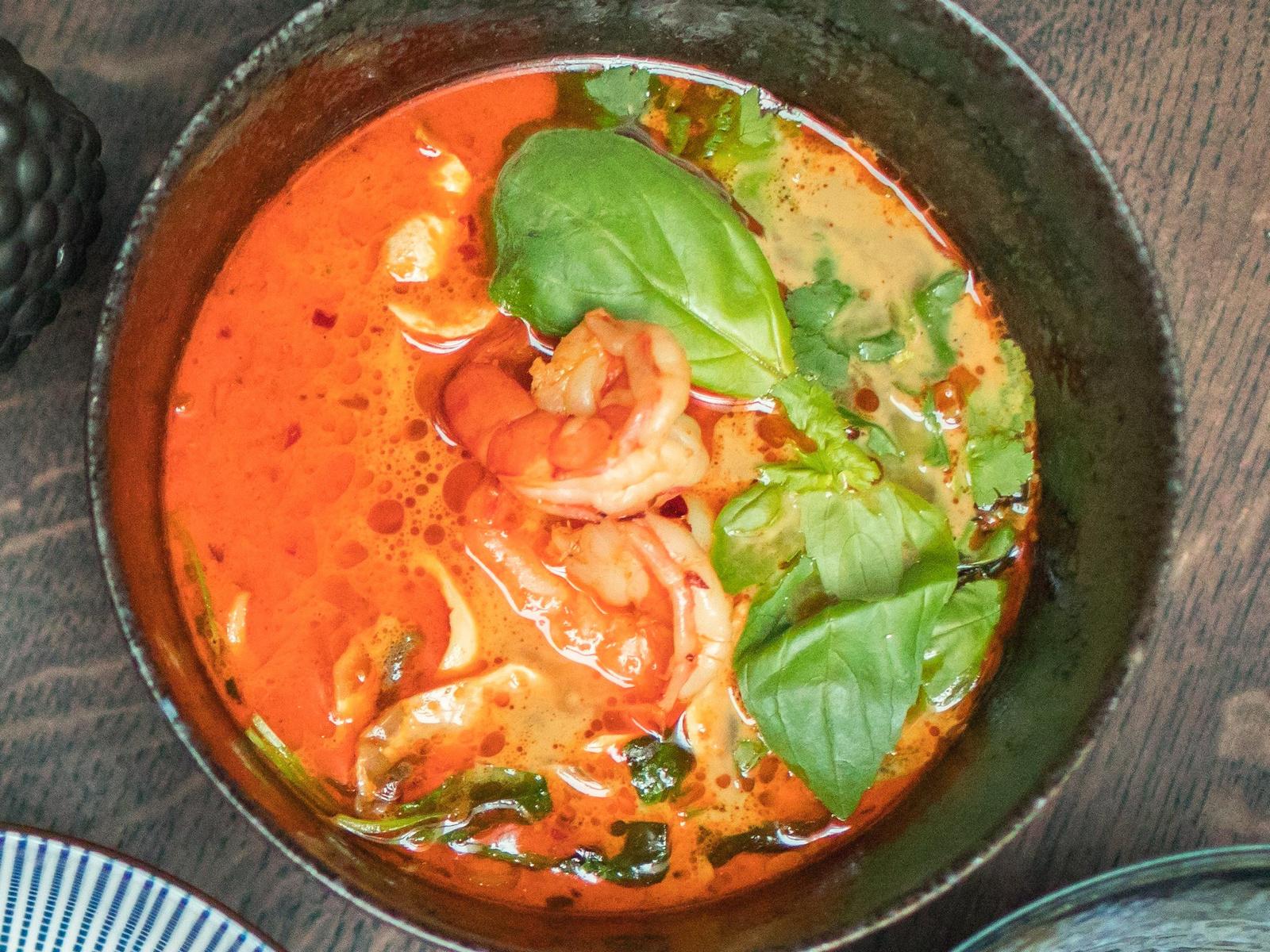 Тайский суп с морепродуктами и рисом