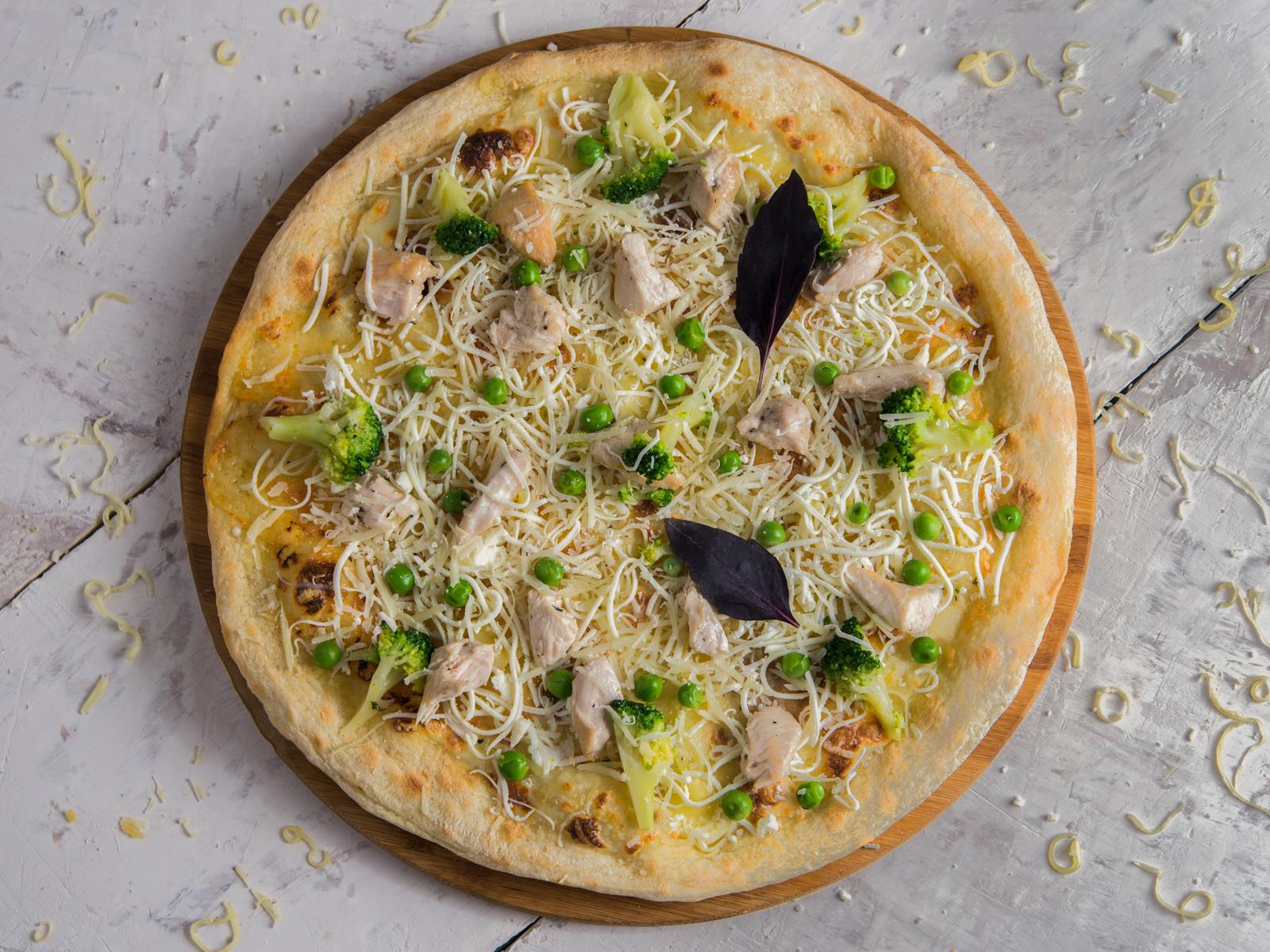 Пицца Куриная грудка с овощами
