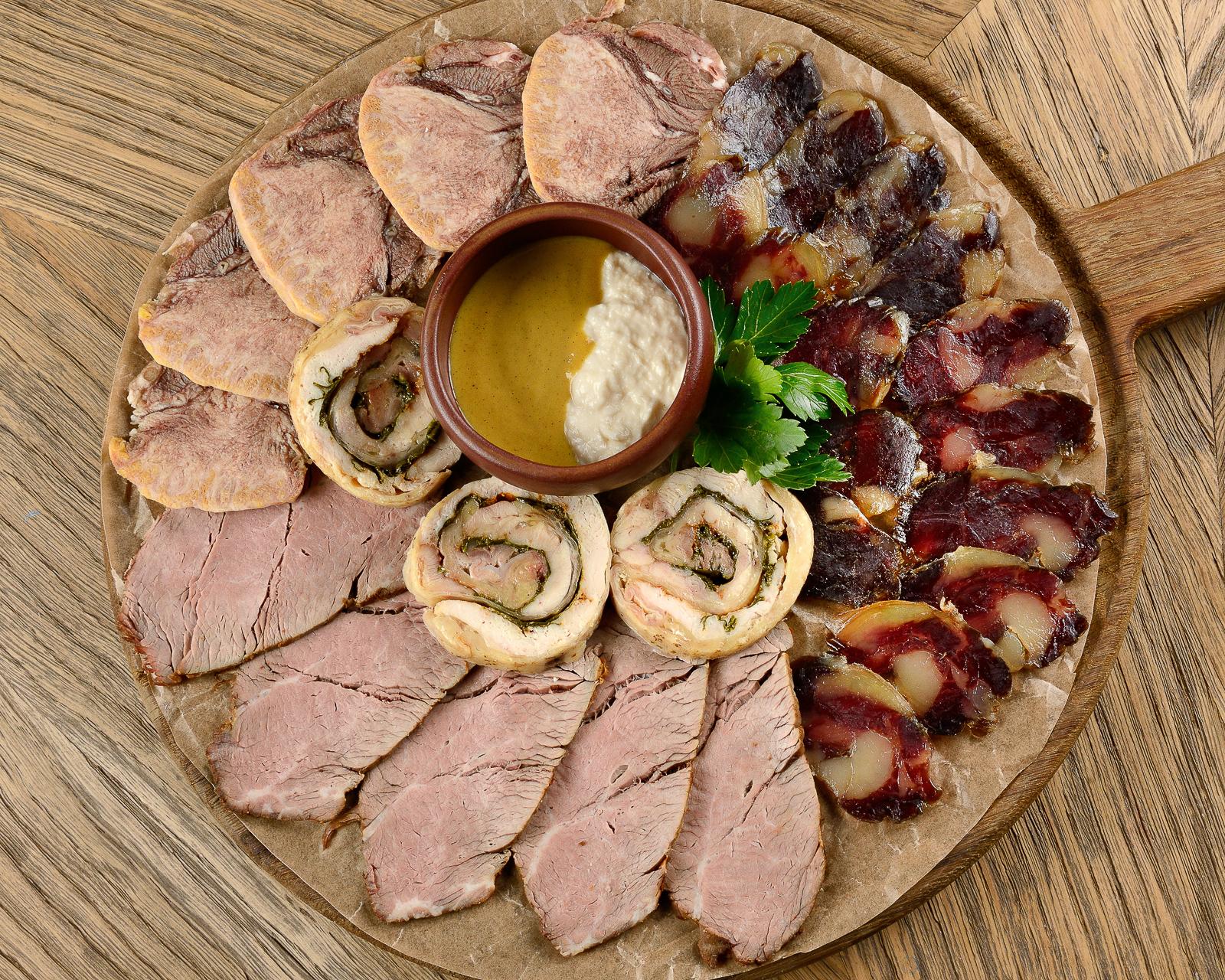 Ассорти мясных закусок