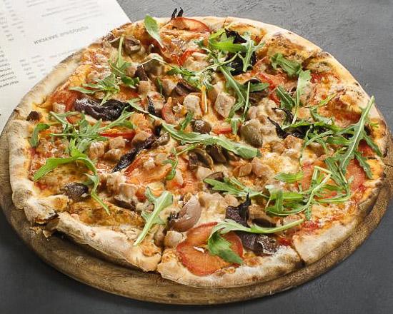 Пицца Тунец с красным луком