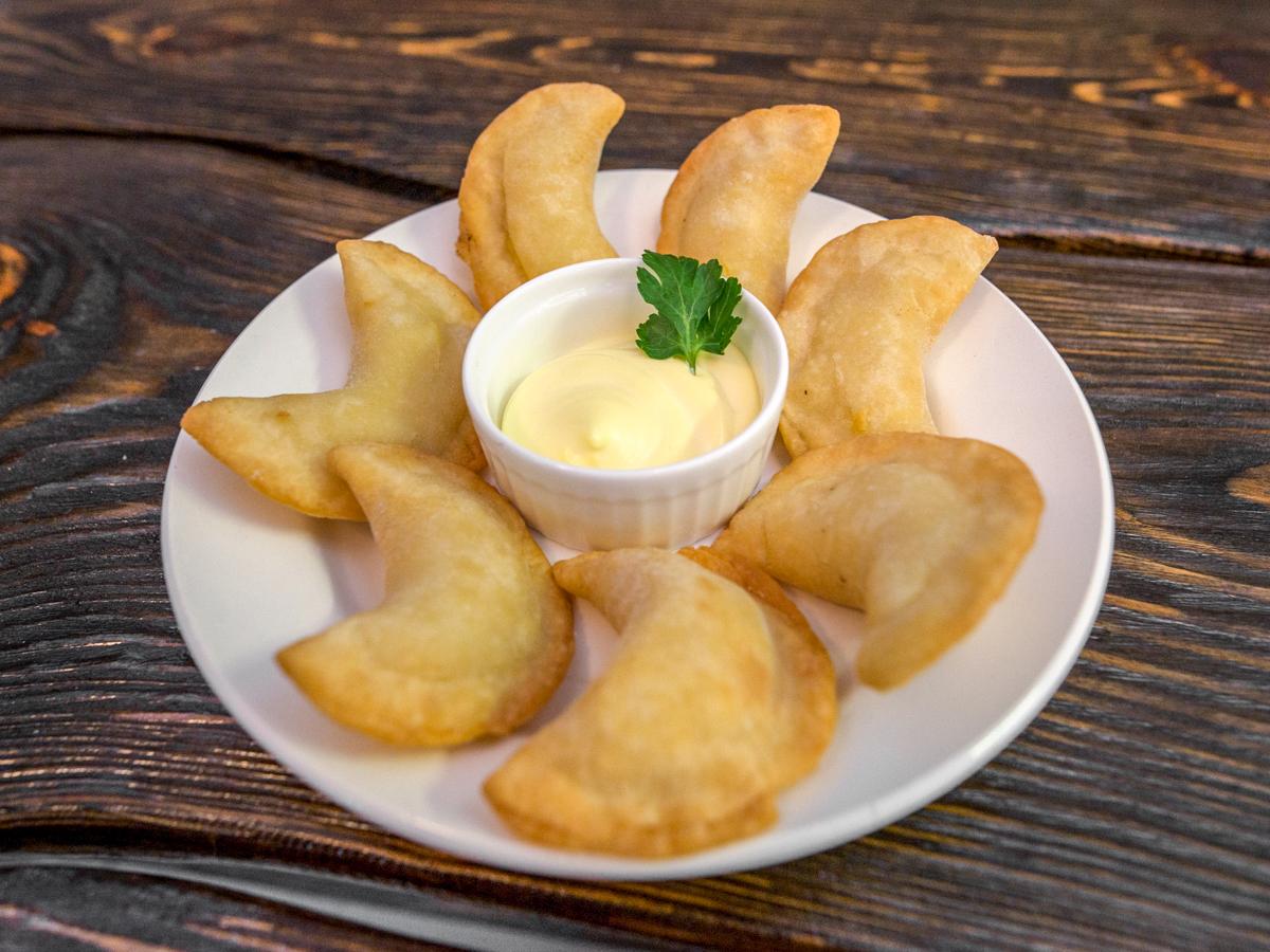 Вареники с картофелем жаренные во фритюре